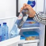 Thetford: Kleine flessen en blikken tot 0,5 liter passen in de deurvakken. Voor grotere flessen zijn die te krap.