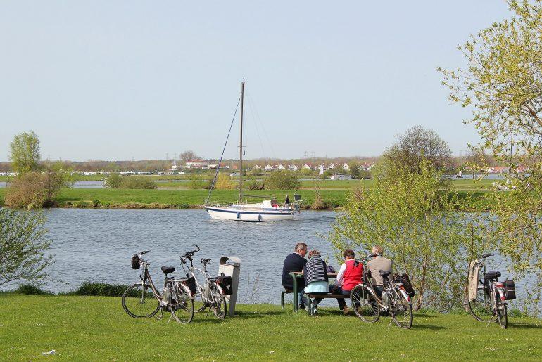 Fietsen Maasplassen uitrusten