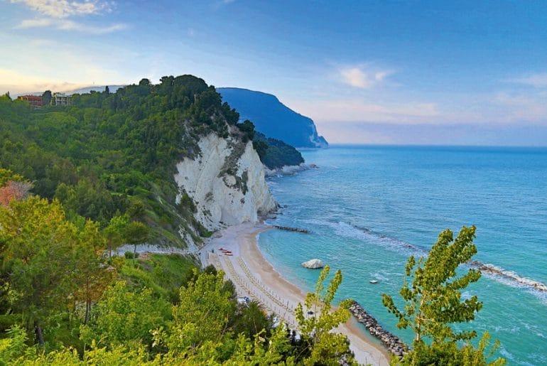 Midden-Italië_Le Marche_rivier Conero