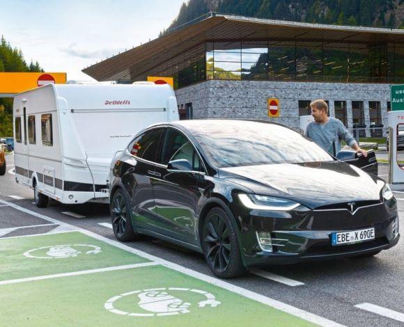Tesla_Dolomieten_diesel