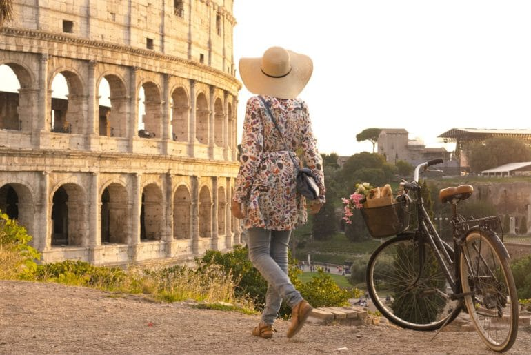 Het Colosseum bij zonsopkomst