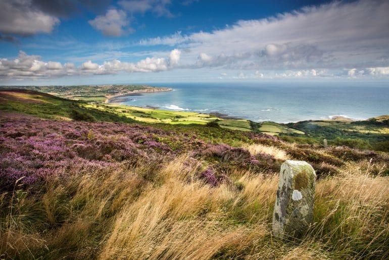 Engelse kust_Robin Hood's Bay from Ravenscar_credit Mike Kipling