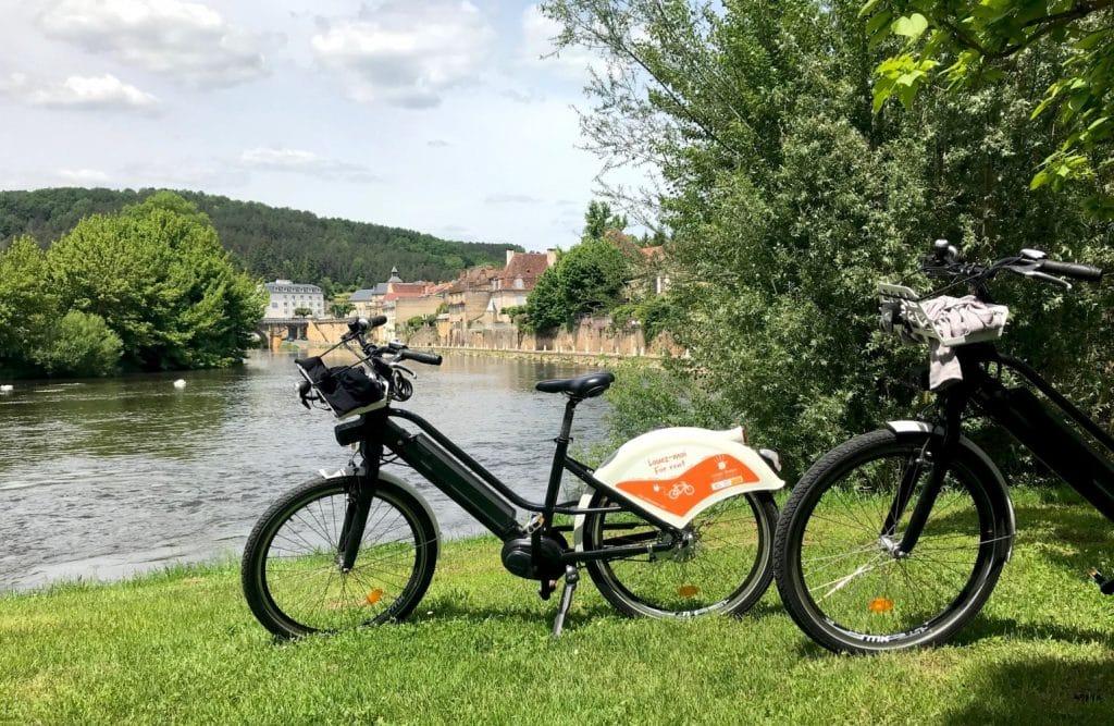 Dordogne_VAE-vélo-bord de Vézère ©A.Borderie17_web