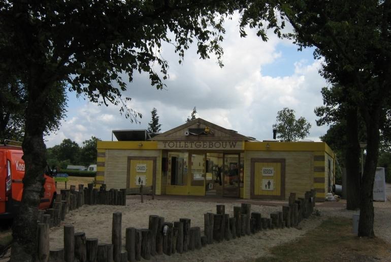 toiletgebouw_vakantiepark Stoetenslagh
