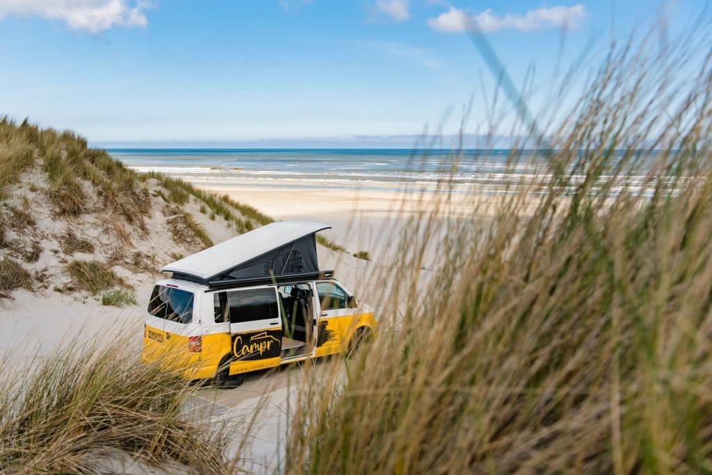 camp-r VW Transporter buiten