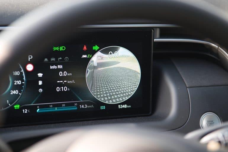 Hyundai Tucson_buitenspiegelcamera_achteruit rijden caravan